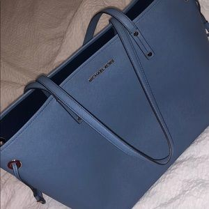 HARDLY EVER USED Michael Kors Large Tote
